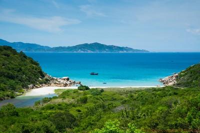 """Khám phá đảo San Hô """"đẹp quên sầu"""" ở Ninh Thuận"""
