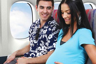 Mẹ bầu đi máy bay cần lưu ý điều gì?