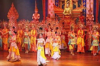 Đến Pattaya, Thái Lan xem Show chuyển giới và Sex Show