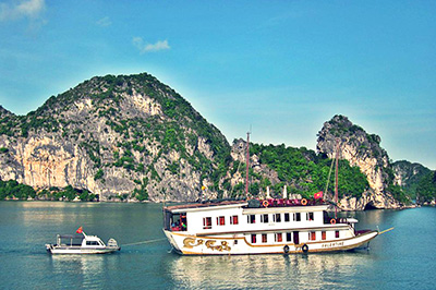 Du thuyền Valentine Cruise trên vịnh Hạ Long | 2 ngày 1 đêm