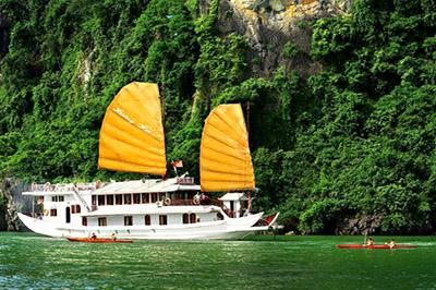 Du thuyền Hương Hải trên vịnh Hạ Long | 2 ngày 1 đêm