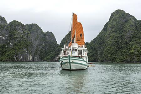Du thuyền LAzalee