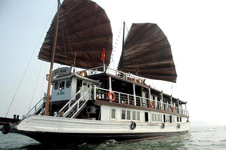 Du thuyền An Nam