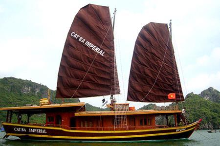 Du thuyền Cát Bà Imperial