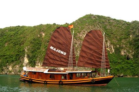 Du thuyền Cát Bà Ma Jong