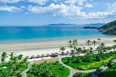 Khám phá bãi biển Mỹ Khê hoang sơ quyến rũ nhất Việt Nam