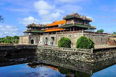 Vẻ đẹp cổ kính chẳng nơi nào có được của kinh đô Huế