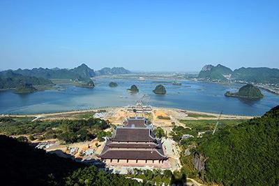 Ghé thăm khu du lịch chùa Tam Chúc - Vịnh Hạ Long trên cạn tại Hà Nam