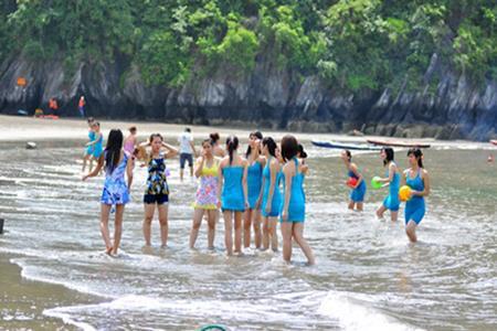 Bãi biển Cát Bà
