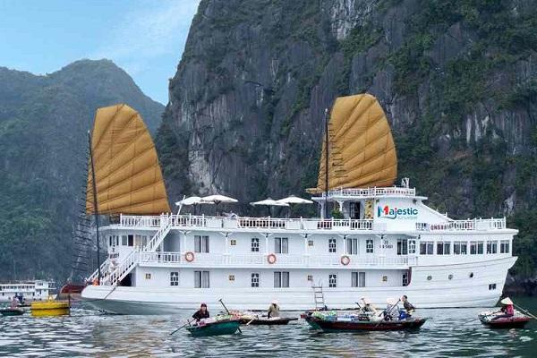 Tour du lịch Hạ Long 3 ngày 2 đêm | Ngủ đêm trên Du thuyền